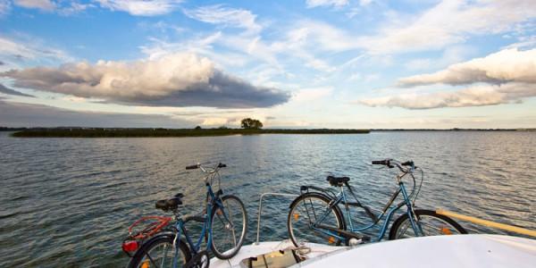 In Masuren in der Nähe von Giżycko starten Sie Ihren Hausboot-Urlaub in Polen