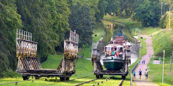 Schifffahrt auf dem Oberländischen Kanal, Elbinger Kanal in Polen in Masuren